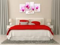 Модульная-картина-розовые-цветы-магнолии-акварельфото-в-интерьере-спальни